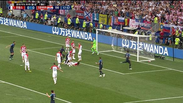 [골장면] 프랑스 VS 크로아티아, 만주키치의 자책골로 리드 잡은 프랑스