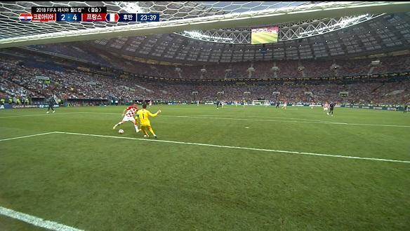 [골장면] 프랑스 VS 크로아티아, 요리스 골키퍼의 실수로 자책골 만회하는 만주키치