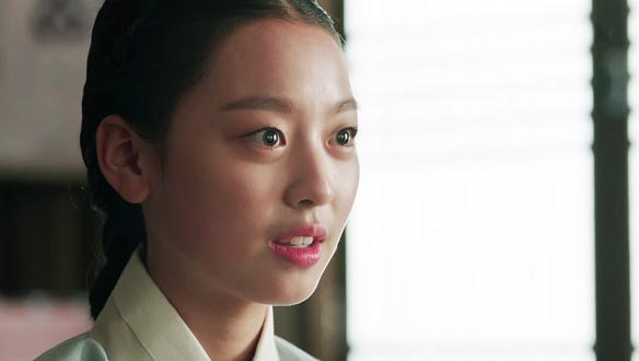 """""""그 자가 죽지 않았다 하셨습니다""""…어리니는 상화(이수민), 도환(안내상)에 궁에 있었던 일 보고 [24회]"""
