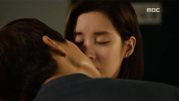 """""""난 이미 그때부터 널 좋아했어""""…서로의 마음 확인한 소주(서주현)♥돌목(지현우) '심쿵 첫 키스' [28회]"""