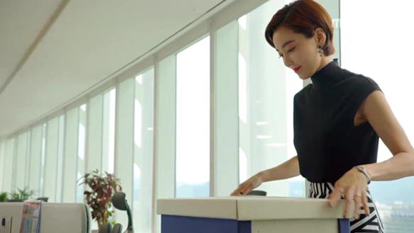 """""""혹시 그만두시는 거예요?""""…지영A(강예원) 응원하며 회사 떠나는 지영B(이소연) [23회]"""