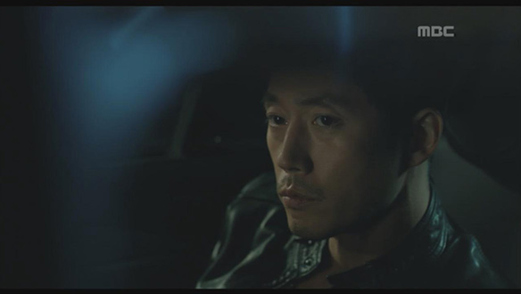 """""""유지철 선수 맞으시죠?""""…차 안에서 용의자 마주한 지철(장혁)의 운명은? [12회]"""