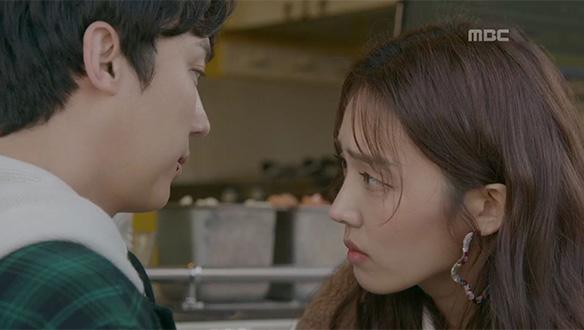 """""""너 지금 내 남자친구 쳤어?""""…장미향(김소라)과 점점 가까워지는 박완승(윤종훈) [20회]"""