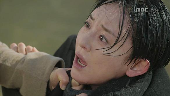 """""""액받이? 그까짓 게 뭔데 죽어!""""…민채린(이유리)이 살린 김실장(윤다경)"""