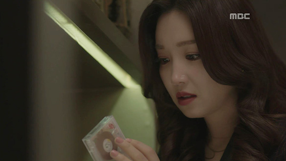 """""""인과응보라나 뭐라나""""…채린(이유리), 드디어 손에 넣은 증거?"""