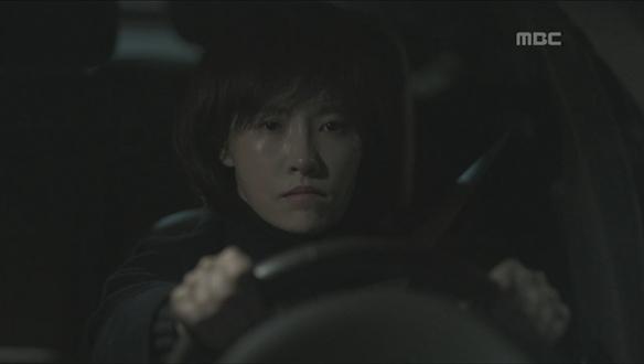"""""""네 자식이잖아!""""…죽은 아이의 엄마의 무책임한 태도에 살의 느끼는 우경(김선아) [12회]"""
