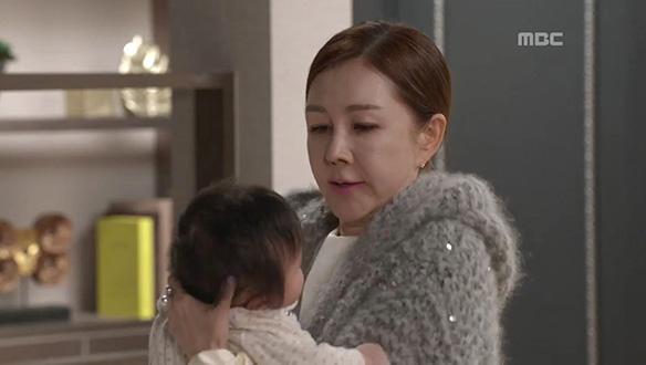 """""""왜 안 울어 스카이~""""…김이복(박준금), 이래도 저래도 이쁜 손주"""