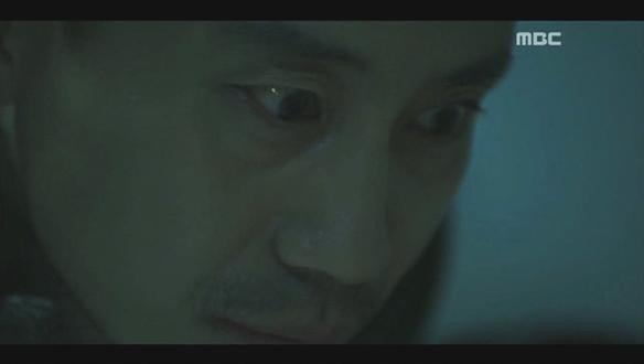 """""""우태석...""""…혼수상태의 장형민(김건우), 태석(신하균)과 마주한 상태로 눈을 뜨다"""