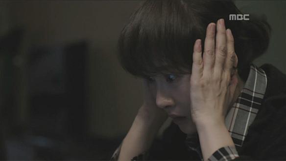 """""""너 누구야""""…자신의 진짜 기억 떠오른 우경(김선아)?"""