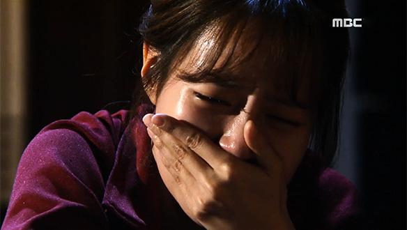 지석(구원)에 이별 통보 후 홀로 괴로워하는 고야(최윤영) '폭풍 오열'