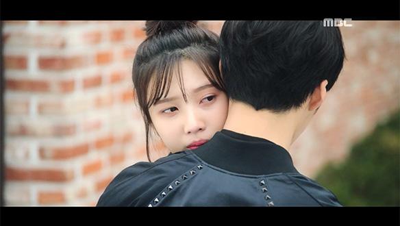 """""""나랑 헤어지지 마""""…자신에 미안해하는 시현(우도환)을 위로하는 태희(박수영)"""