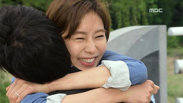 """""""오작두!! 오작두!!""""…마침내 재회한 롱디 커플, 승주(유이)♥작두(김강우) '격한 포옹'"""