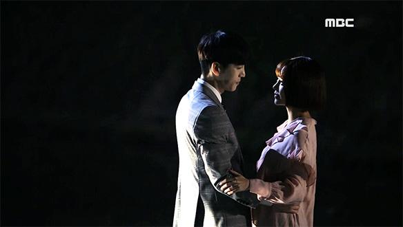 """""""저와 한 곡 추시겠습니까?""""…고야(최윤영)♥지석(구원), 달밤의 로맨틱 키스"""
