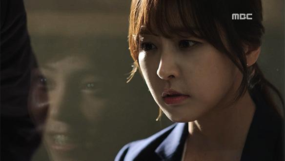 """""""더 큰 여자도 충분히 죽였을 텐데""""…은솔(정유미)에게 우성 살인범에 대한 힌트를 주는 김준태"""