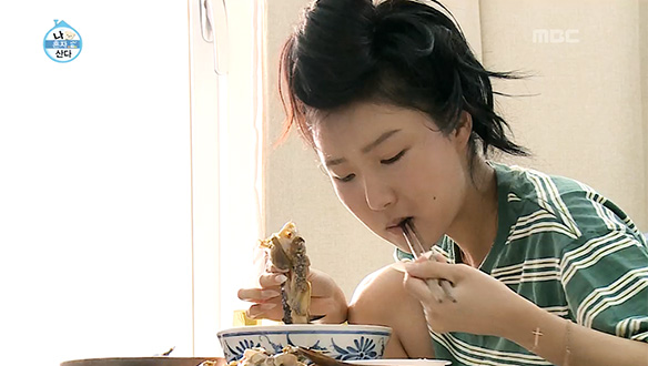 화사, 곱창 여신에 이어 '간장게장 여신' 도전?!…김부각과의 환상 콜라보 먹방 [252회]