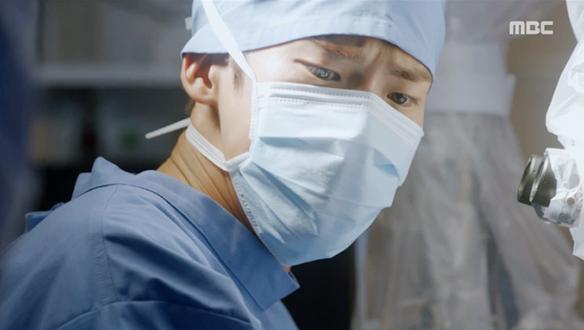 """""""지금 뭐 하는 겁니까!""""…차재환(김진엽), 수술 실패하나 [15회]"""