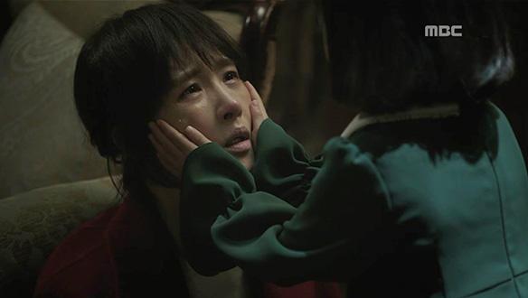"""""""고작 다섯 살짜리 애가 왜 여기 들어가 있어!""""…우경(김선아)의 분노, 오열"""