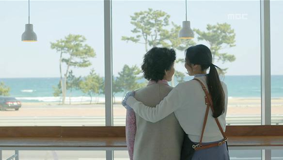 """""""우리 딸 손이 참 따뜻하네""""…조금 더 평온한 일상으로 돌아간 사람들 [48회]"""