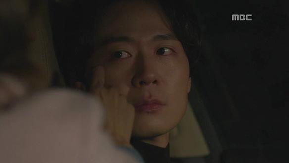 """""""안 추우세요?""""…차량 사고로 갇히게 된 치우(소유진)과 진유(연정훈) [72회]"""