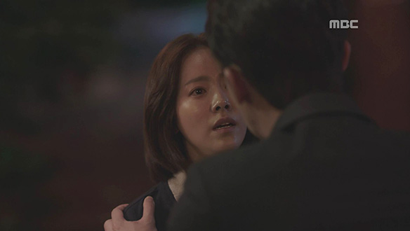 """""""더 이상 우리라고 하지 마""""…차갑게 돌아서는 정인(한지민)"""