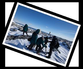 스태프들이 남극에서 촬영을 하는 사진